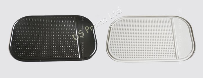 Closer look at the anti slip pad (balck and white)